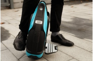 inmotion-v3c-electric-unicycle-1