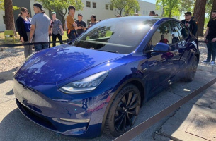 tesla-model-y-performance-dual-motors-kupit-006