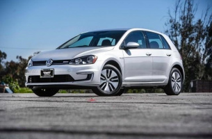 volkswagen_egolf_2015_usa__000