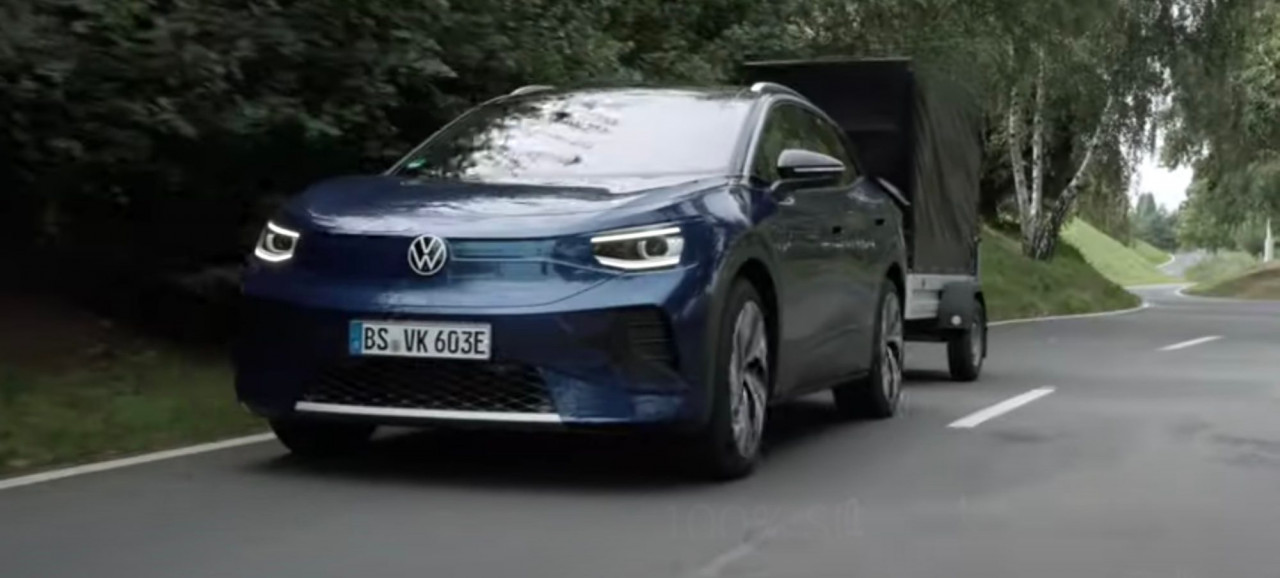 vw-demonstriruet-proizvoditel-nost-id-4-v-novom-video